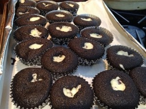 baking video tutorials - chocolate filled cupcakes