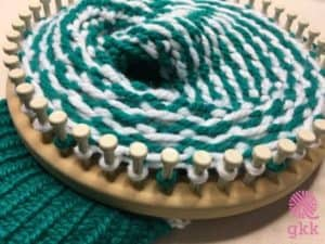 Loom Knit the Stadium Stripes Hat in your favorite team colors. Be ready for the big game! www.goodknitkisses.com/stadium-stripes-hat #goodknitkisses #loomknitting #loomknit #knithat #teamcolors
