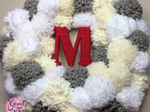 Winter PomPom Wreath | Yarnspirations