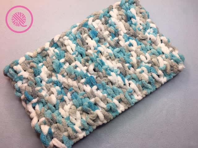 Loop Yarn Seed Stitch Cowl