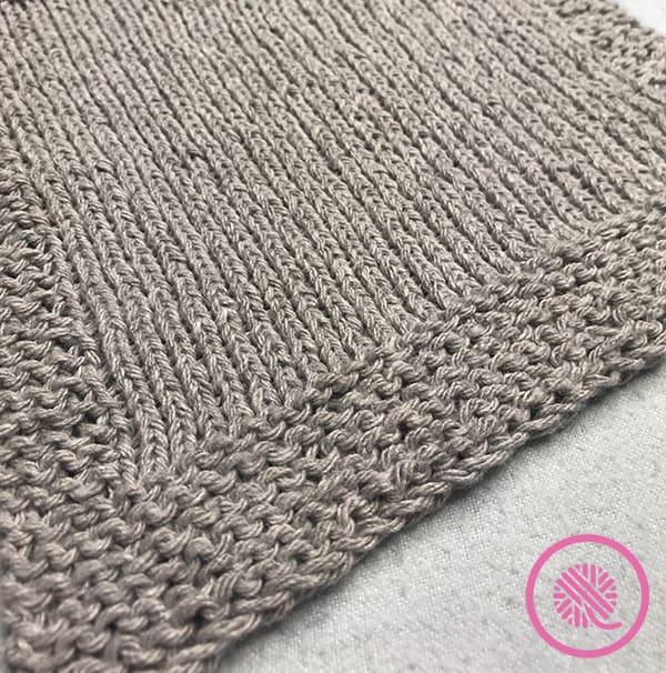 Dishcloth with garter stitch border