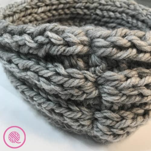 easy ribbed headband for beginner knitters closeup of seam