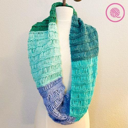 garter drop infinity scarf using the garter drop stitch pattern